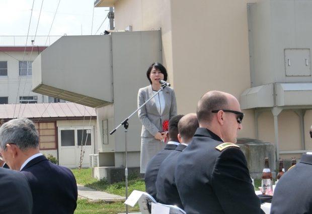 自衛隊福知山駐屯地の入隊式に出席