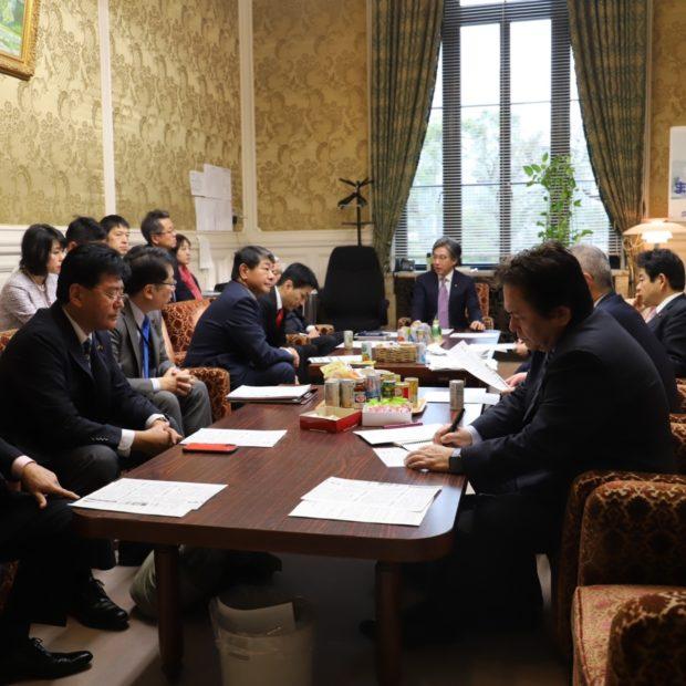今日から本格的な政策論争がスタート、衆議院本会議にて枝野代表と国民民主の玉木さんの代表質問がありました。