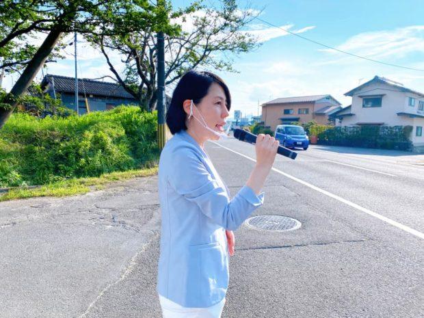 夕方街宣は野田川町の「スーパーにしがき」にて。