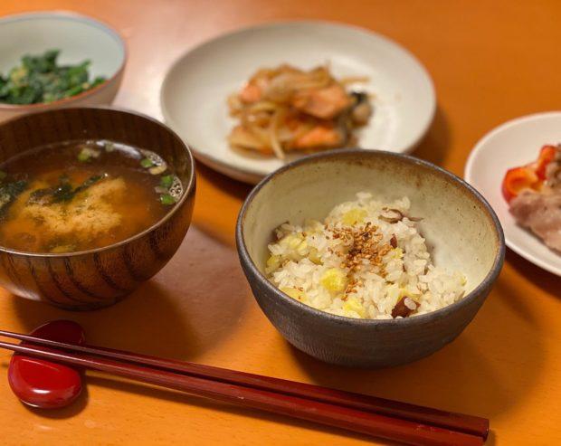 地元綾部産の新米と、京丹後市網野町で採れたサツマイモで御夕飯♬