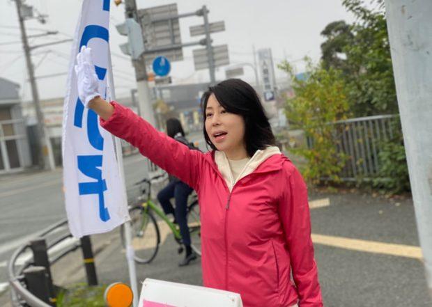 今朝は地元福知山の松縄手交差点で朝のご挨拶からスタート。